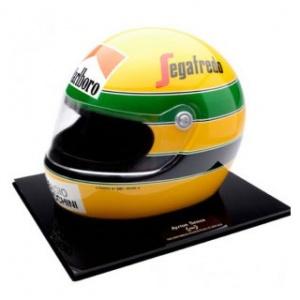 Ayrton Senna 1: 1 Helm 1984