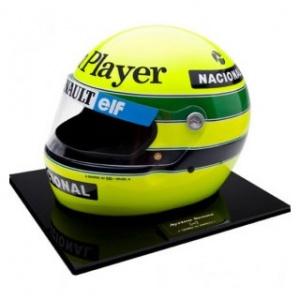 Ayrton Senna 1: 1 Helm 1985